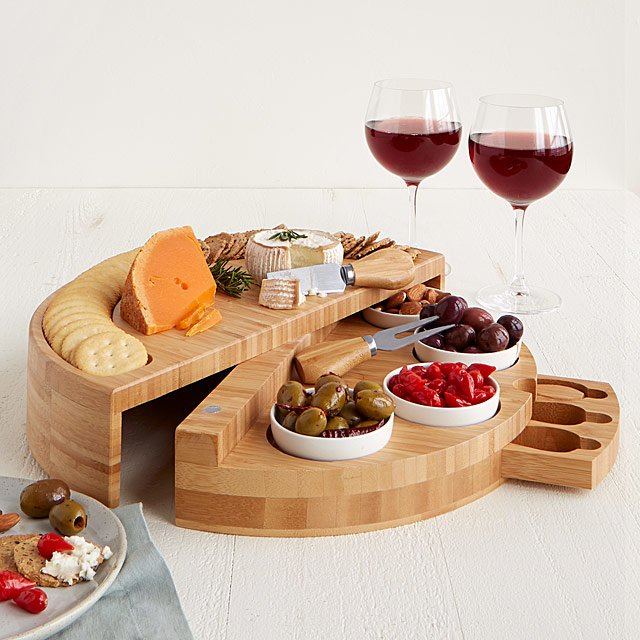 wedding gift for bride - cheese tapas board