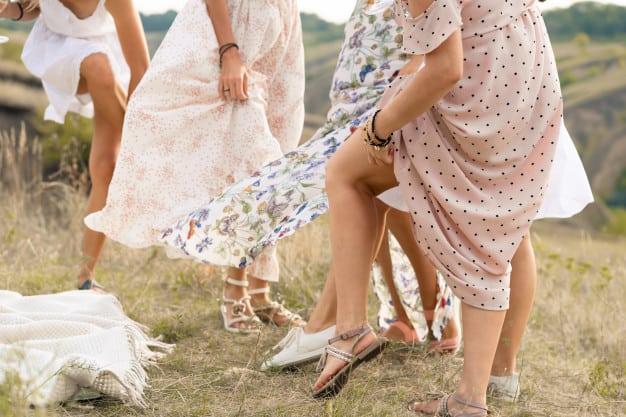 wedding shower game idea:Cold Feet
