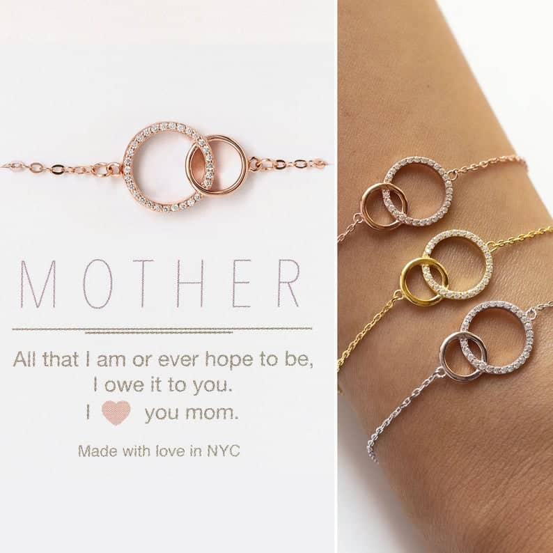mom wedding gift:Mother of the Bride Gift, Gift for Mom, Interlocking Circle Bracelet
