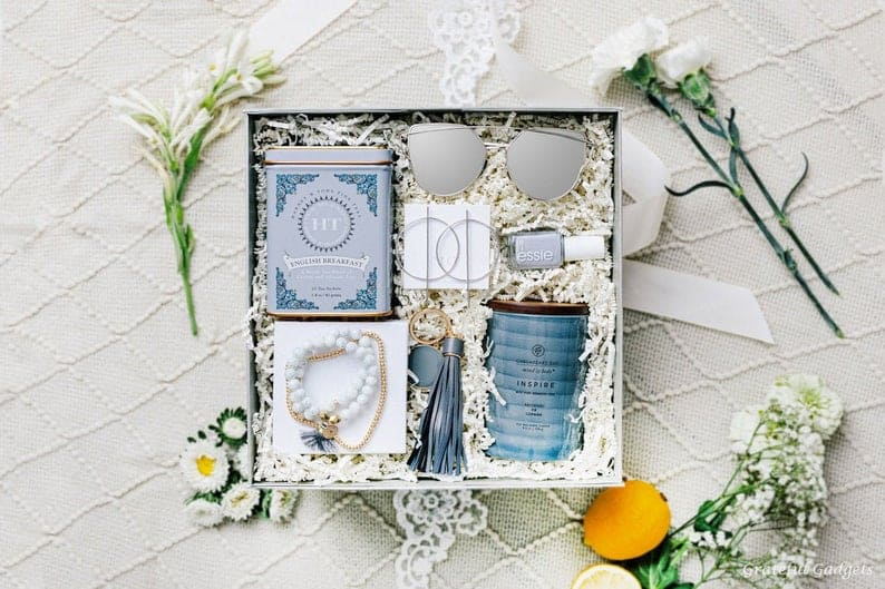 good wedding party gifts: Luxury Gift Box