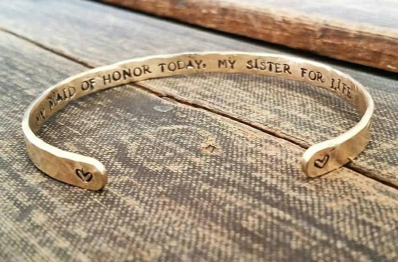 clutches for bridesmaids gifts:Maid of Honor Bracelet