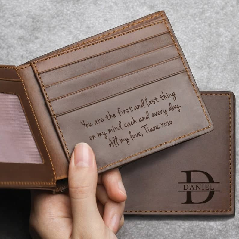 gift ideas for weddings:Personalized Groom Leather Wallet