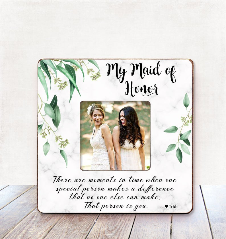 maid honor gifts:Personalized Picture Frame Wedding Gift