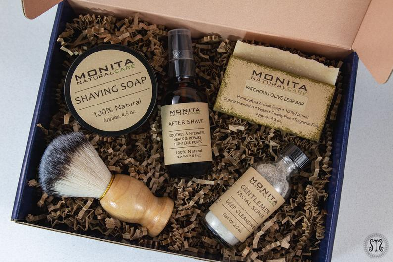 gifts for dad from bride:Shaving Kit