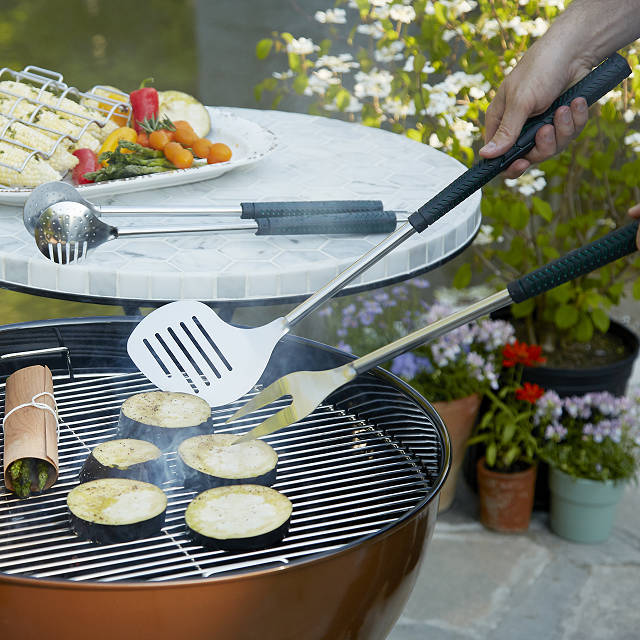 groomsmen gifts ideas - bbq set