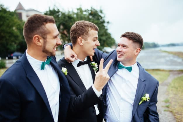 45+ Groomsmen Gift Ideas They Won't Stop Talking About