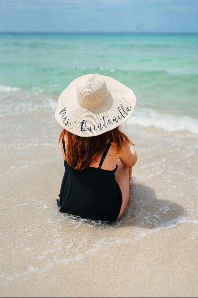 bachelorette party gifts - beach hats