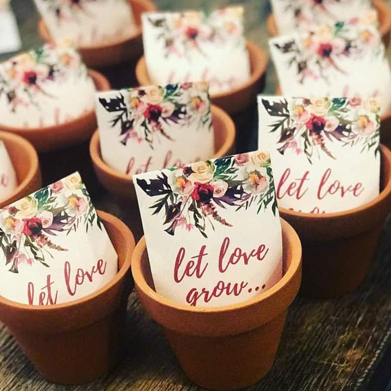 custom packets - wedding favor ideas