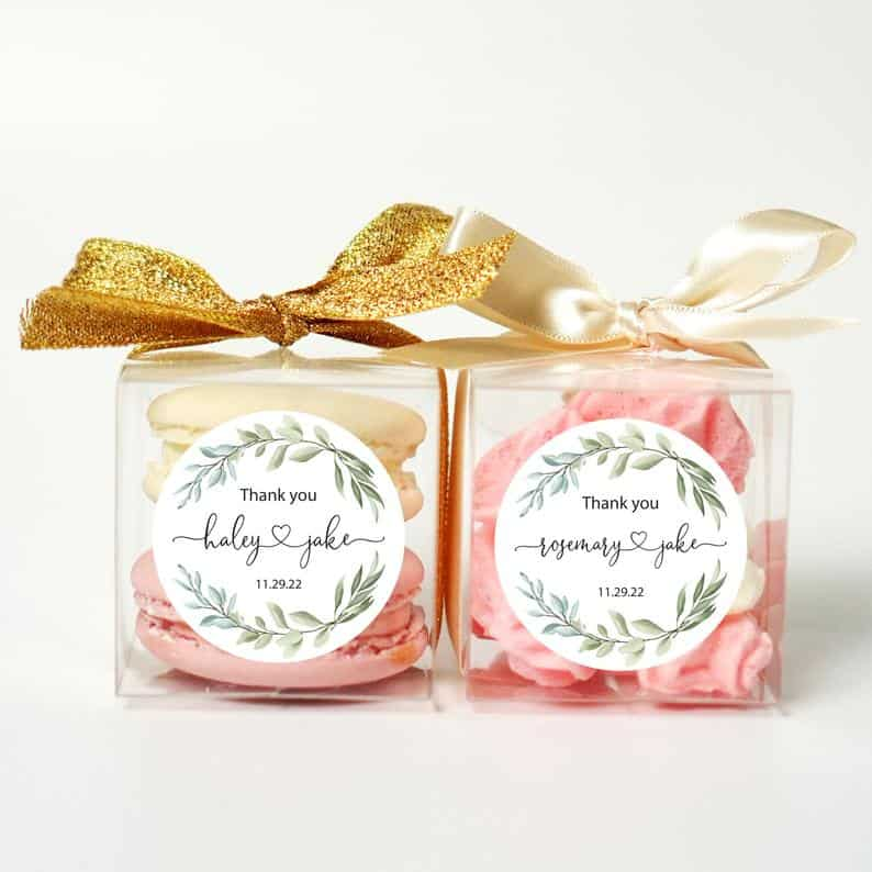 cheap wedding favors - maracon box