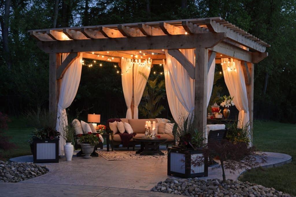 gold bridal shower theme:Backyard Bliss