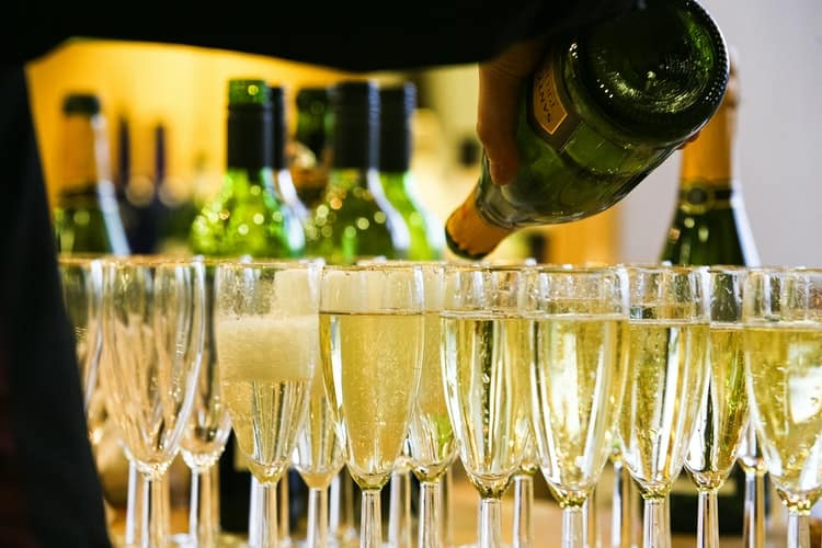 bridal shower themes and ideas:Champagne Tasting