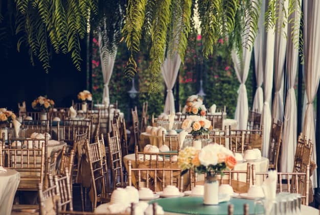 themes for wedding showers:Classic Hollywood Chic
