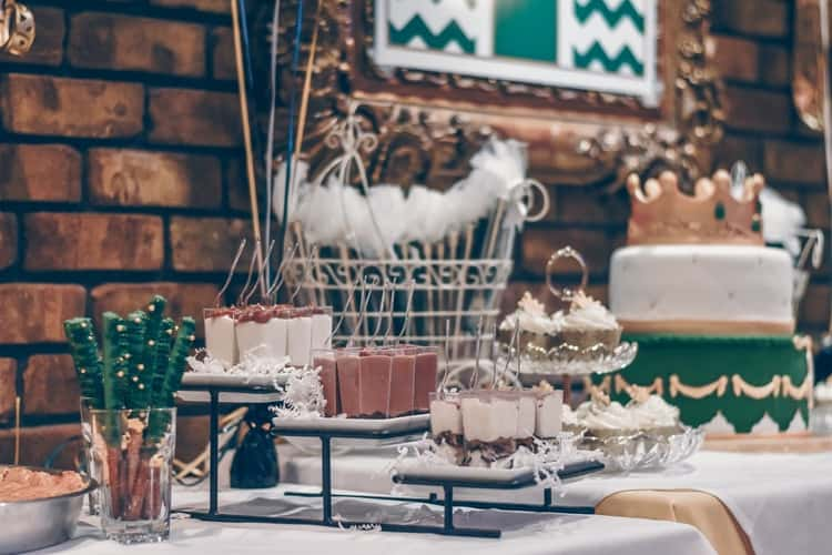 small bridal shower ideas:Happily Ever After