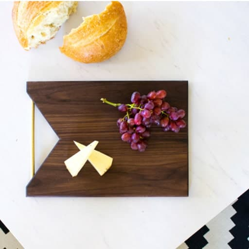 diy wedding presents:Cutting Board
