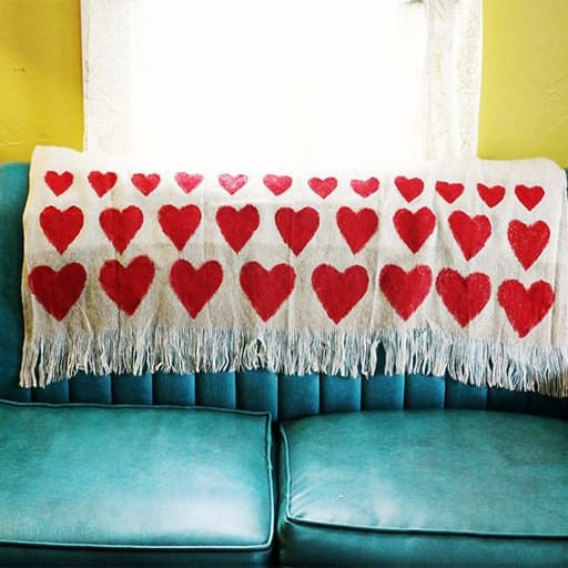 diy wedding gift for bride:Heart Blanket​