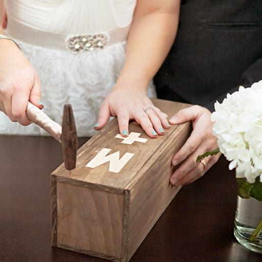 diy couples gift ideas:Personalized Wine Box