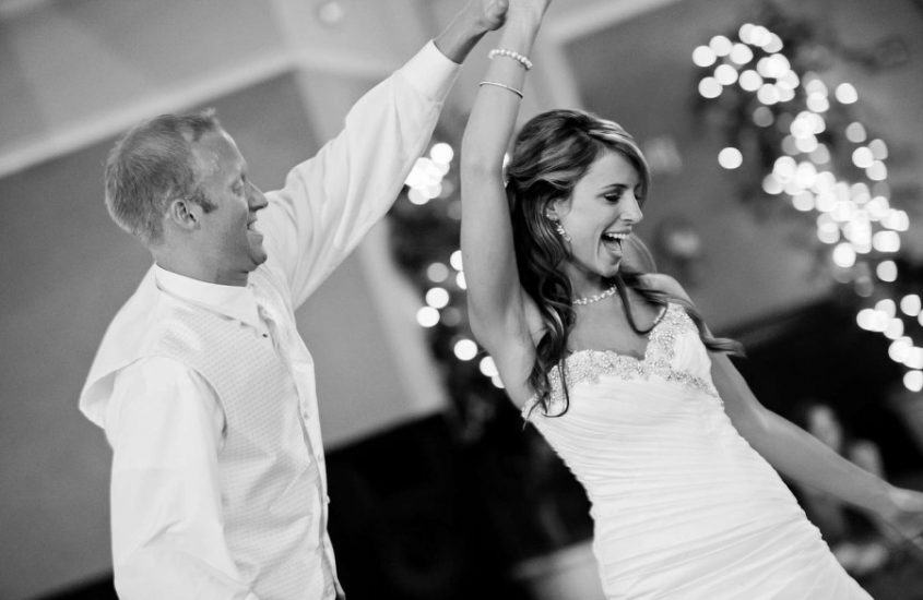Best Wedding Reception Songs to Fill the Dancefloor on Your Big Day