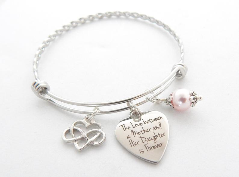 mother to daughter wedding gift ideas:Bracelet