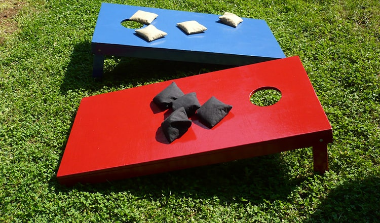 lawn games for wedding: Corn Hole