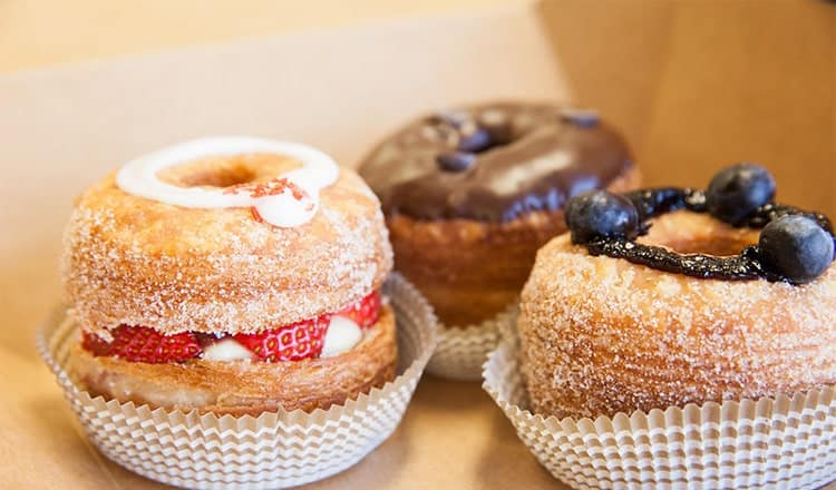 best wedding food ideas:Cronuts