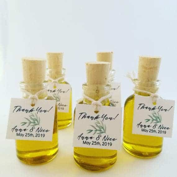 diy wedding favour ideas:DIY Infused Oil Favors