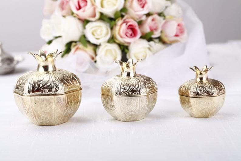 elegant wedding favors:Gold Wedding Favor Boxes