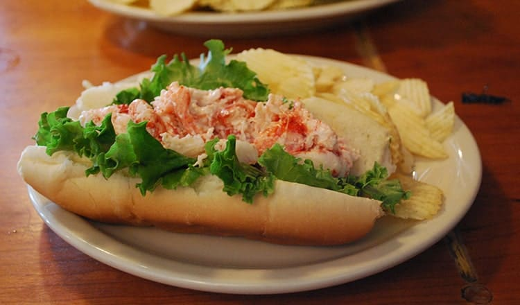 Reception Dinner Ideas: Lobster Roll