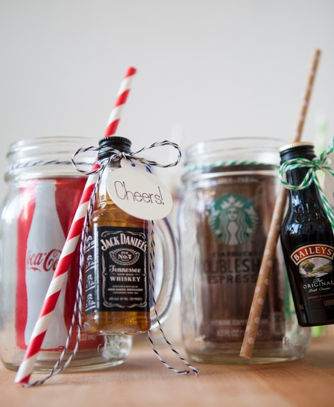 diy wedding favors - cocktail kit
