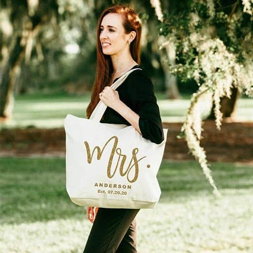 Tote bag: gifts for the bride on her wedding day