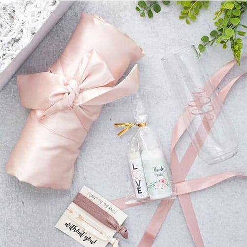 Outfit Gift Box: gifts to ask bridesmaids to be in wedding