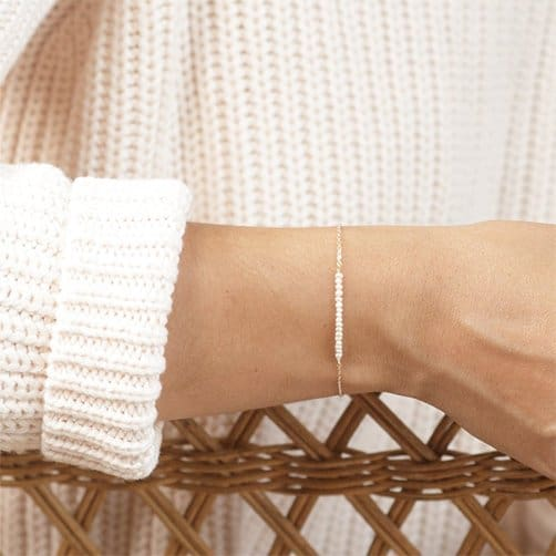 gifts for 30 year anniversary: Pearl Bar Bracelet
