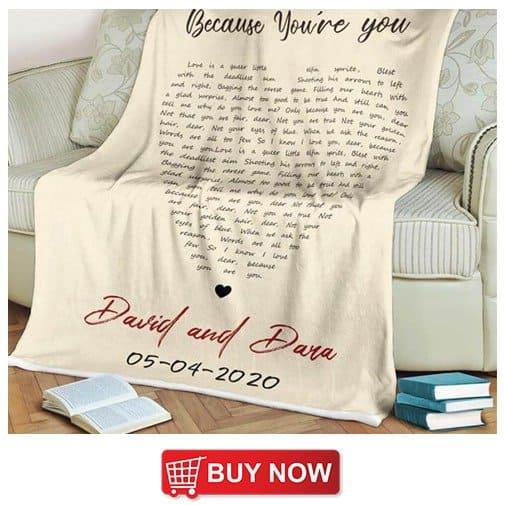 wedding present for sister:Heart-Shaped Custom Song Lyrics Blanket